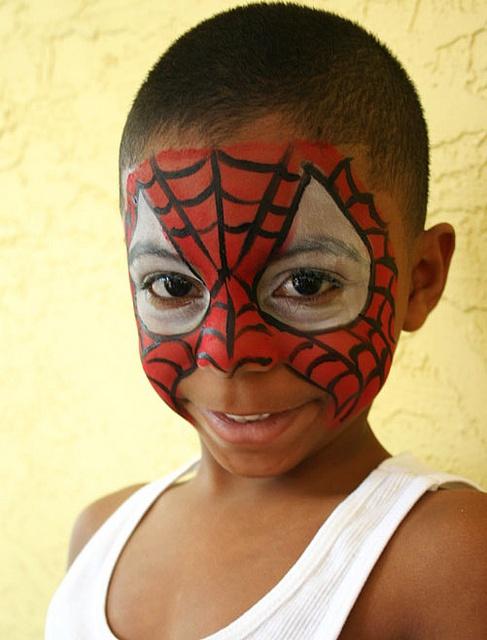 die besten 25 spider man face paint ideen auf pinterest schminken spiderman gesichtsmalerei. Black Bedroom Furniture Sets. Home Design Ideas