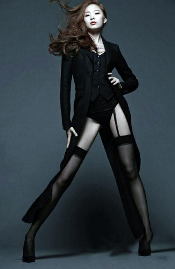 Model Goals: Are These The Longest Legs Of Any Woman In The World? - Yahoo Celebrity India