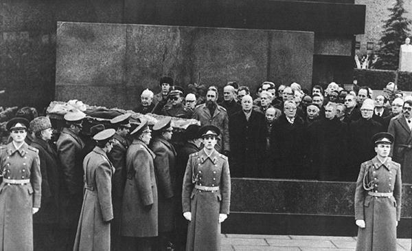 "In Brezhnev funeral (November 1982) in the front row of the socialist ""VIP's"", L. to R.: Husak (Czekoslovakia), Jaruzelski (Poland), F.Castro (Cuba), J.Kadar (Hungary), Tsedenbal (Mongolia) and Ceausescu (Romania)."