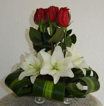 17 best ideas about arreglos de rosas naturales on - Arreglos de flores artificiales ...