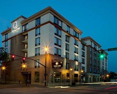 Doubletree Hotel Savannah Historic District, GA - Hotel Exterior | GA 31401