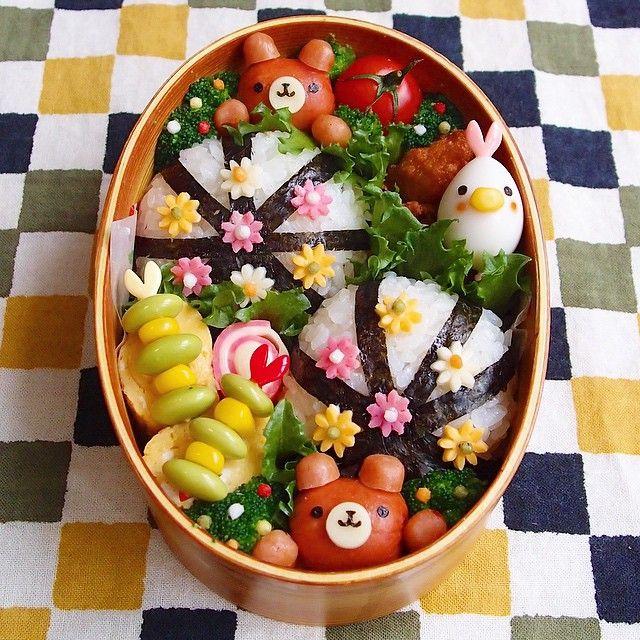 インスタグラムでも可愛いと大人気のkinakobunさんの作られるお弁当。細かいところまで凝っていて見ているだけで幸せな気分になっちゃうお弁当なんですよ!どんなお弁当写真を投稿されているのでしょうか?一緒に見て行きましょう♪