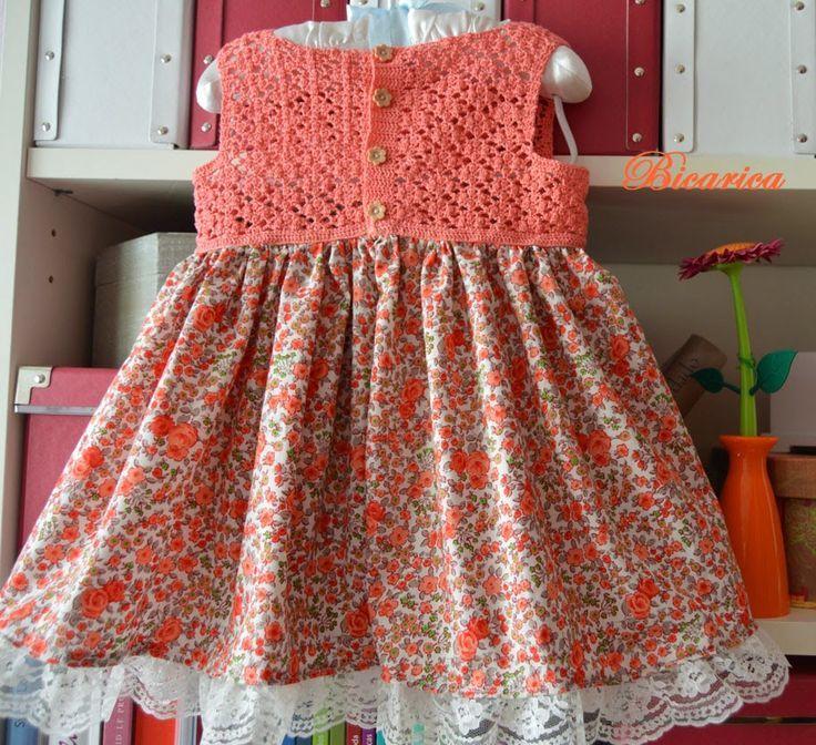 Vestido artesanal con cuerpo de crochet y falda de tela floreada tipo liberty [] #<br/> # #Baby #Patterns,<br/> # #Crochet #Patterns,<br/> # #Handmade #Baby,<br/> # #Babies #Clothes,<br/> # #Crochet #Baby,<br/> # #Liberty,<br/> # #Crochets,<br/> # #Baby #Dresses,<br/> # #Baby #Style<br/>