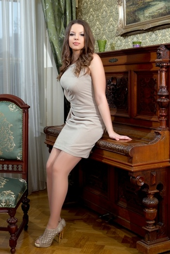 Anastasia from Saint Petersburg Russia seeking for Man - Rose Brides