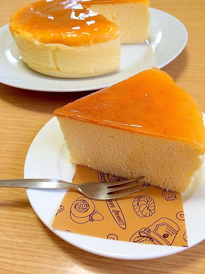 糖質制限スフレチーズケーキ ワンホール当たりの糖質は8g程度です。糖質制限でも本格的なスフレチーズケーキが出来ました。あっさり後引くおいしさです。