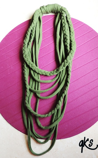 collar hecho de tela, diferentes medidas, verde......