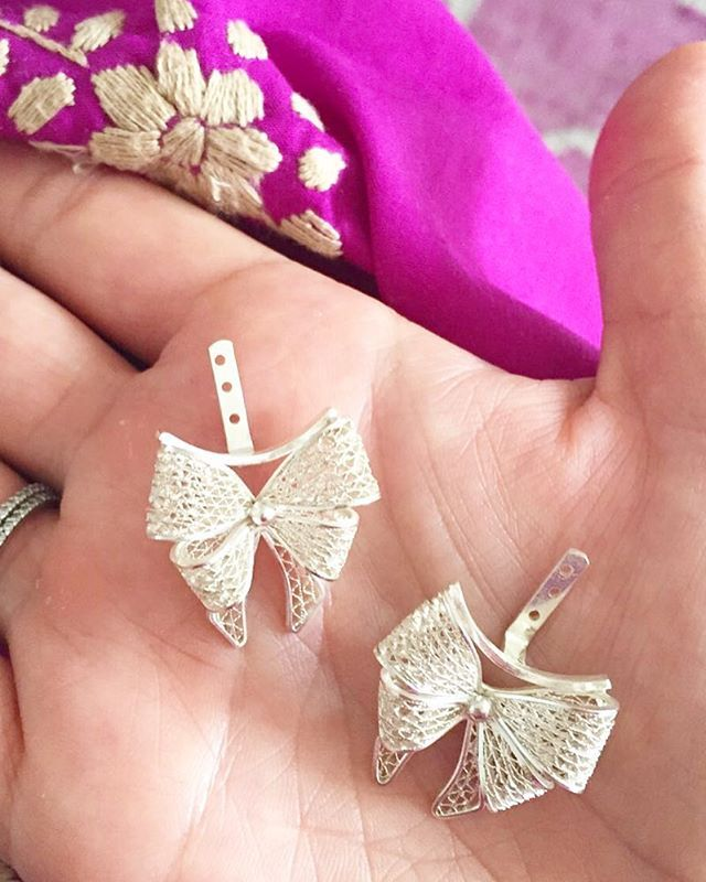 Bow overload  #portugalcollection #bowsandmorebows #earjackets