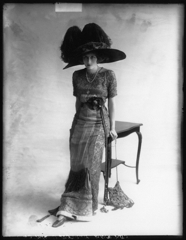 Phyllis Le Grand. by Bassano. whole-plate glass negative, 15 May 1911