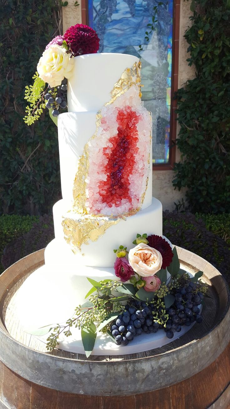 amazing wedding cakes season 1 geode cake for winery cool cakes geode 10726