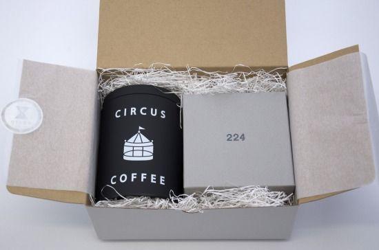 京都・北山のスペシャルティコーヒー専門店「サーカスコーヒー」とコラボし、人気のペーパーレスコーヒーフィルター「Caffe Hat」とセットにしたスペシャルギフト!(黒缶) /by COS KYOTO- 京都の感性で選んだギフト&セレクトショップ   COS KYOTO Online Store