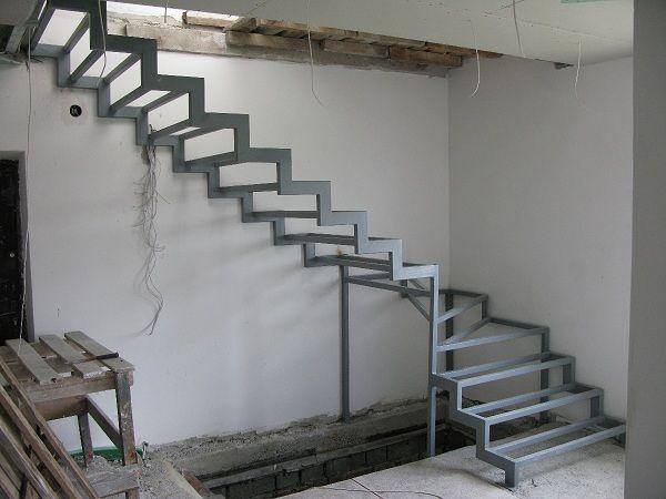 Как сделать лестницу из металла