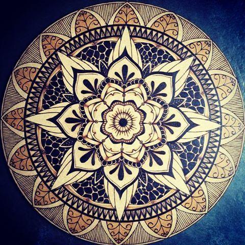 #mandala #pirografia #arte #maolivre #flores #uberlandia #minasgerais #brasil #pyrography #pyrographyart #wood #woodburning #love #art #flowers #draw #diy #handmade