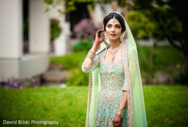 Bridal Portrait http://www.maharaniweddings.com/gallery/photo/70288