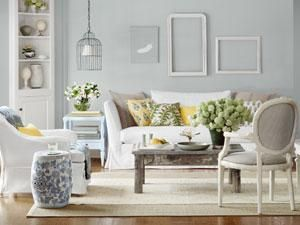 Living room makeover for less: Wall Colors, Living Rooms, Empty Frames, Blue Wall, Grey Wall, Country Living, Sea View, Accent Colors, Rooms Makeovers
