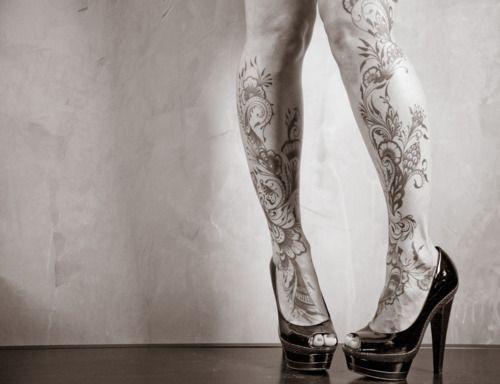 .White Fashion, Girls Photography, Prom Hair, Body Art, Legs Tattoo, A Tattoo, Body Tattoo, Tattoo Ink, Tribal Tattoo