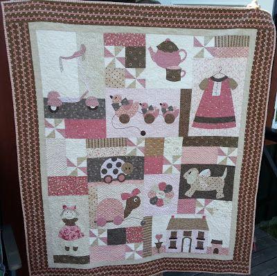 Barneteppe laget til Amelias 1års dag. Mønster fra Bunny Hill.
