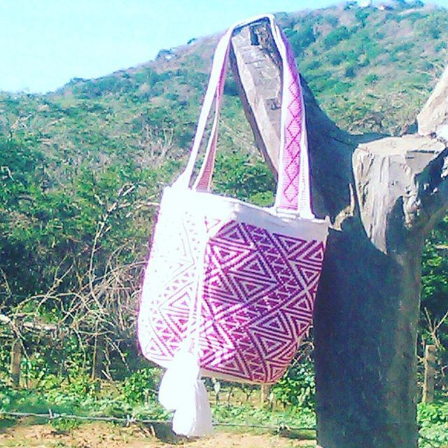 The new bags are coming tomorrow  #ngo #❤️ #wayuu #style #ethicalfashion #indigenousrights #culture #anthropology #ootd #instadaily #fblogger #styleinspo #boho #fashion #itbag #outfit #glam #fashionblogger  #motherearth #ethnocouture #korea #칠라백 #와유백 #독특한 #排他的 #獨家 #퓨전 #融合 #聚變