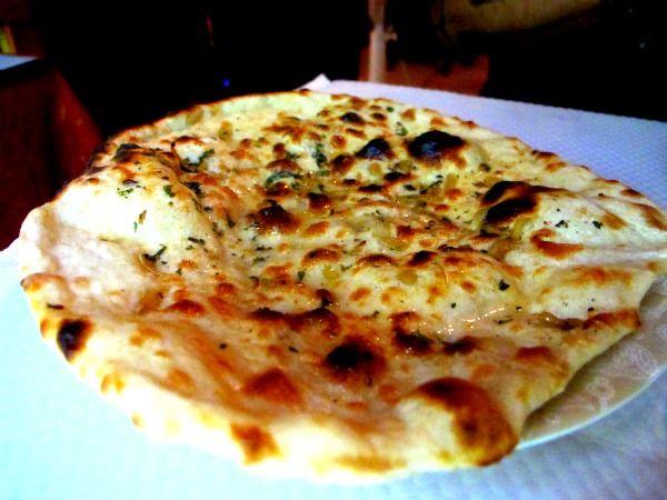 Indian food: garlic naan, Wheat bread, Simple recipe