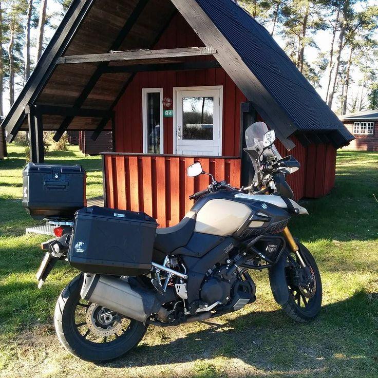 Hut 2. Geen douche geen toilet. Niet meer van deze tijd. Moet bukken om binnen te komen... #fb #tw #denmark #MySuzuki #motorfiets #travelling #Moto73 #travelblog #reizen #reisjournalist