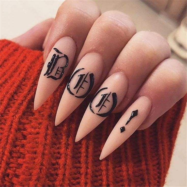 20+ New Collection Of The Trend Stiletto Nails | Halloween ...