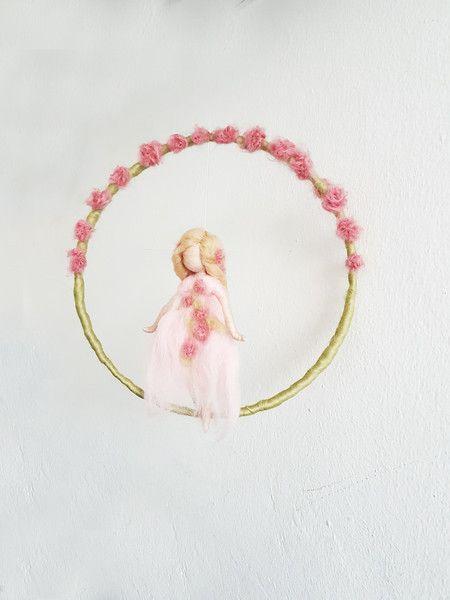 """Kinderzimmerdekoration - Mobile """"Rosenfee """" - ein Designerstück von Giodali bei DaWanda"""