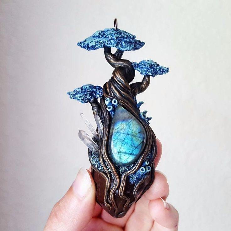 Artystka z Florydy tworzy bajkową biżuterię inspirowaną scenerią magicznego lasu.