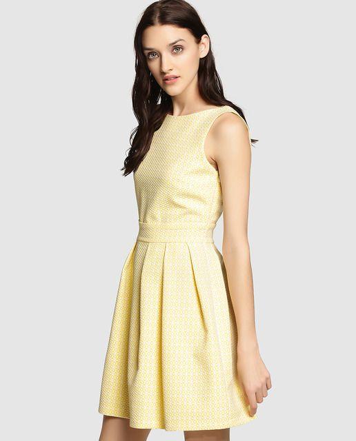 El vestido bonito en ingles