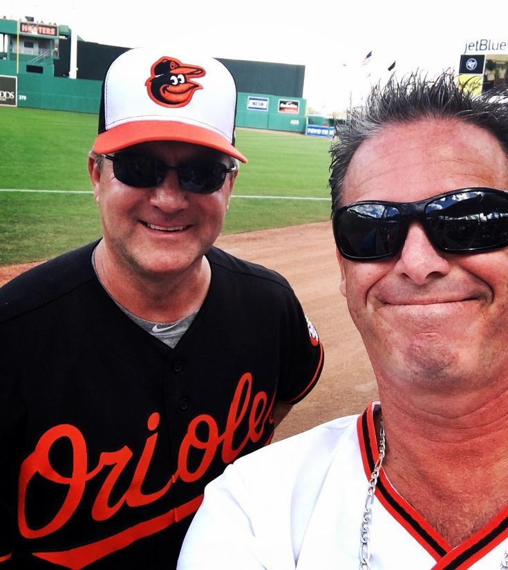 Met up with the Baltimore Orioles Pitching Coach Roger McDowell 2/2018 #rogermcdowell #pitchingcoach #baltimoreorioles #pitcher #orioles #masnorioles #birdland #birds #baltimore #maryland #opacy #florida #jetblupark #winknews #fox4news #mikemandrogermcdowell #baseball #naples #naplesflorida #mets #phillies #dodgers #rangers #espn #espnbaseballtonight #espnbaseball #33rdstreet #