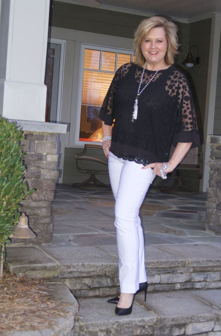 50 IS NOT OLD | PUTTING ON THE RITZ | Classic | Black and White | Polka Dots | Fashion over 40 for the everyday woman #ad #sponsored @thepurplepoppy #FashionOver40