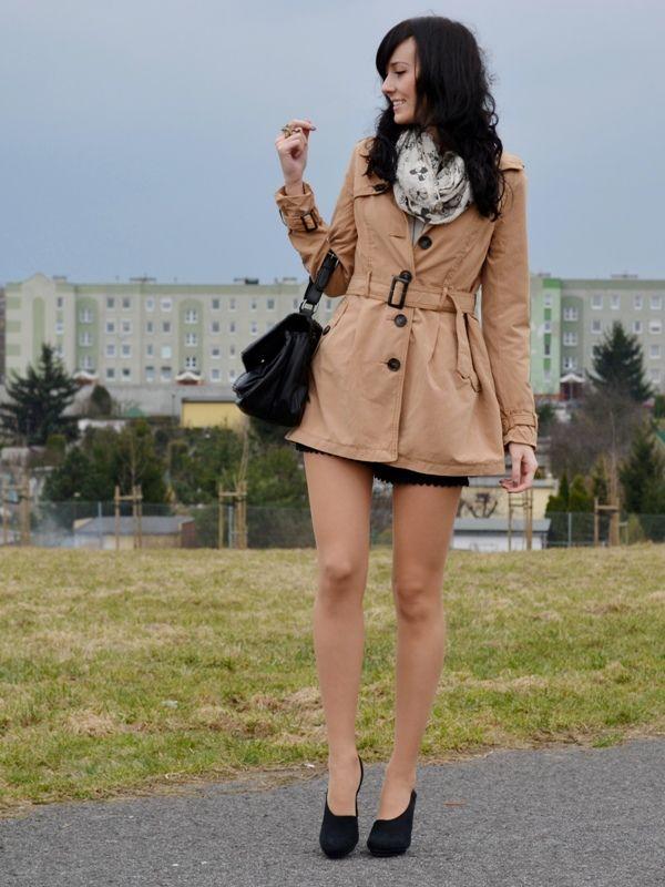 DaisyLine #tan #pantyhose #blogger #legs #miniskirt