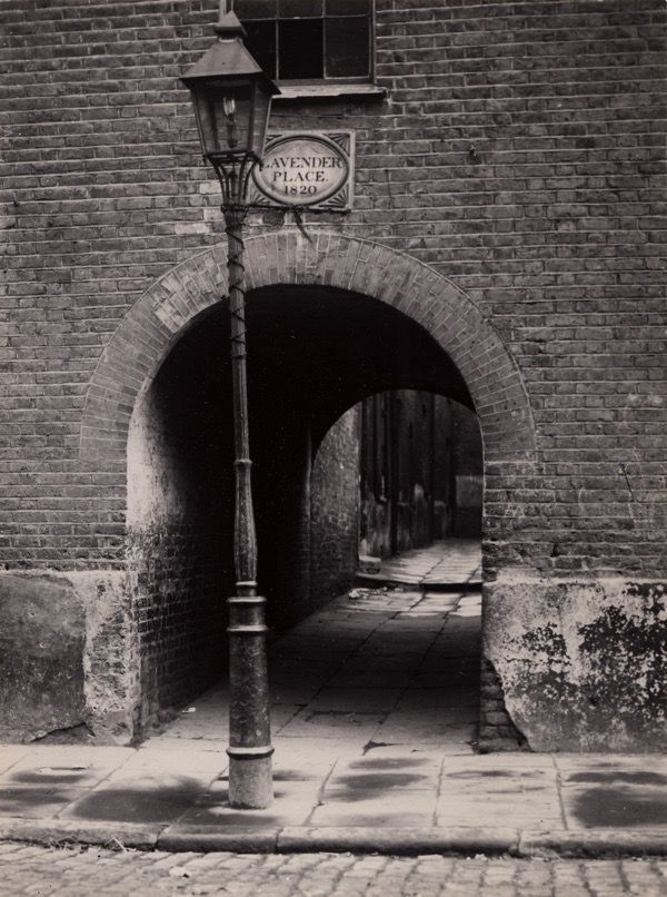 Lavender Place, off Pennington Street, Wapping, photo by William Whiffin