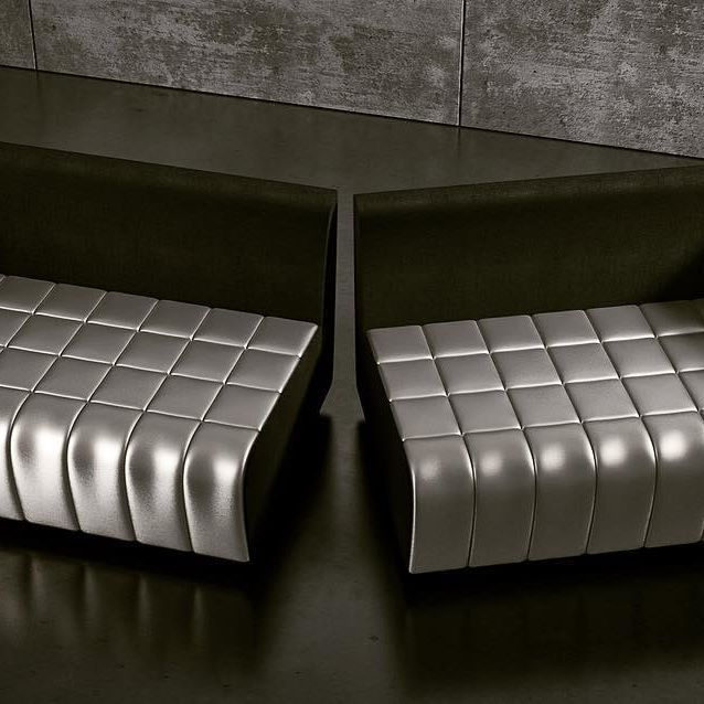 Sofa HALF #sofa #halfsofa #leatherdesign #luxury #luxurylifestyle #luxurylife #warsawdesign #design #designer #designdeinteriores #interiordesign #interior #interiordesigner #interiorstyling #furniture #furnituredesigner #furnituredesign #furnitureforsale #meble #projektymebli #minimaldesign #silver #project