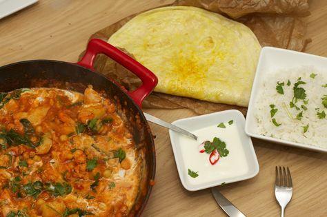 Een heerlijke vegetarische curry en nee je mist echt geen vlees. Ideaal om dit met familie of vrienden te eten aangezien je best wel een grote pan hebt met groenten. Bekend van Jamie Oliver