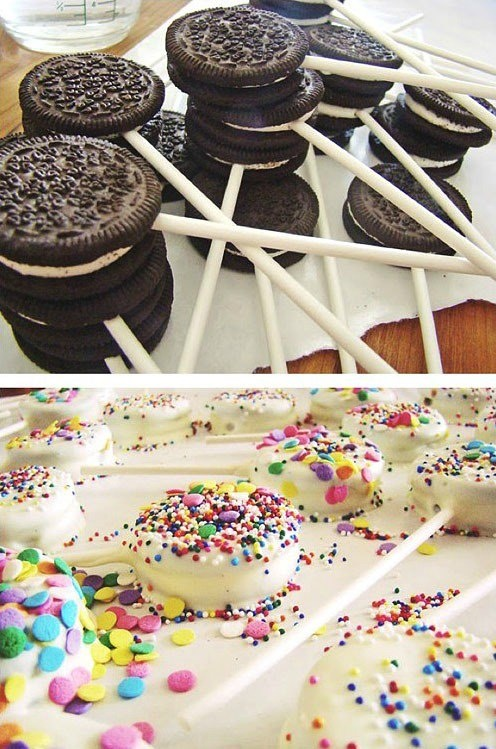 Oreo Cookie Pops.. too easy  Want to try it with Mint Chocolate Chips for the coating.. YUMMY