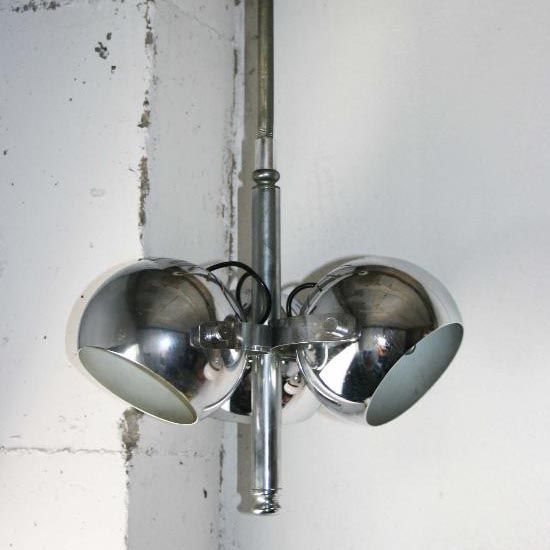 Lámpara space age de tres focos