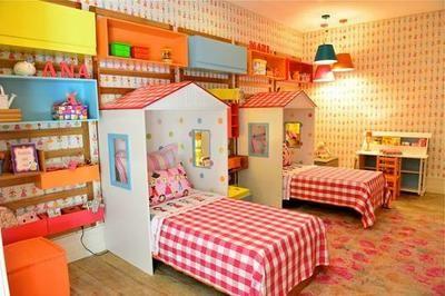 ¿Tus hijos comparten habitación? No te pierdas estas coloridas ideas donde se respeta el espacio de cada uno.
