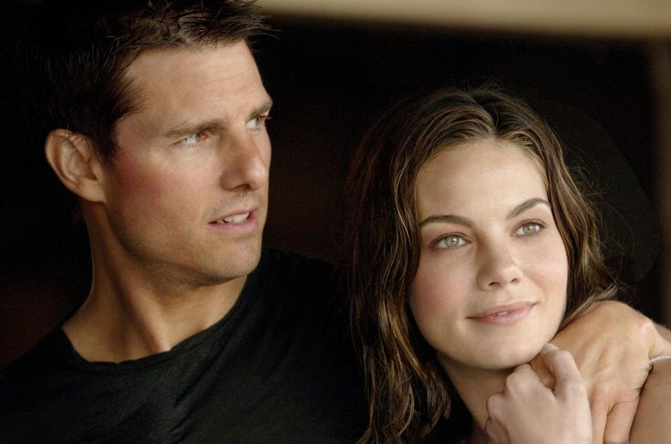 Still of Tom Cruise and Michelle Monaghan in Mission: Impossible III (2006) http://www.movpins.com/dHQwMzE3OTE5/mission:-impossible-iii-(2006)/still-1603636224
