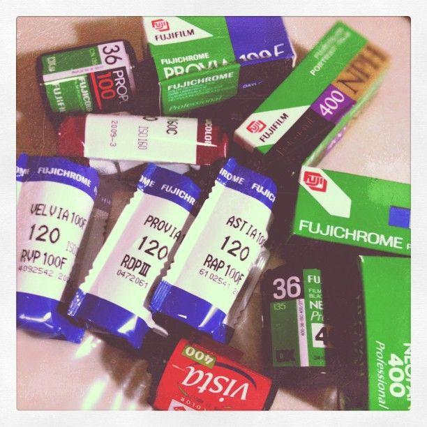 Fresh films from my suki. #analog #analogue #film #Provia #velvia #agfa #vista #fuji #fujifilm #films #120 #35mm #fujichrome #films #sprockets #sprocket #kodak #nph #color #iso #neopan #astia #photography #lomo #lomography