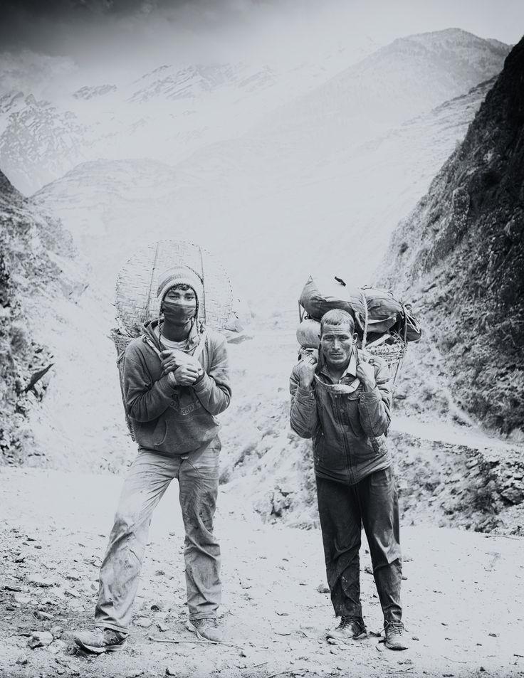 De Nederlandse fotograaf #GregorServais maakte een tocht door de #LowerDolpo in #Nepal. In zijn fotoserie maak je kennis met de onherbergzame stukje land.