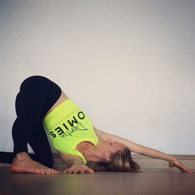 8 Stretches for your Tight Shoulders!