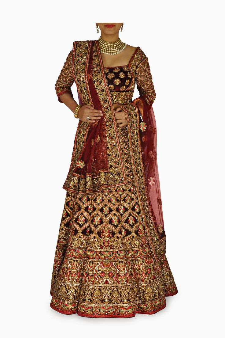 Elegant Indian Clothing & Wedding Outfits: Bespoken Sheer Beauty with Rich Designer Lehengas