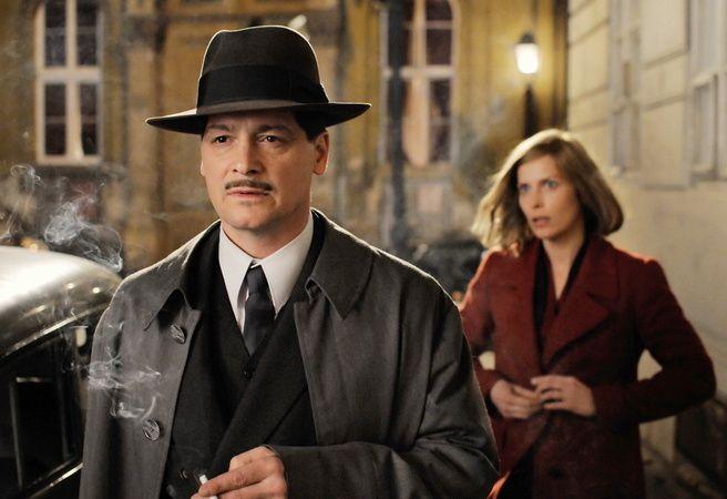 Valerie Niehaus as the Abwehr agent Vera Schalburg and Fritz Karl as Major…