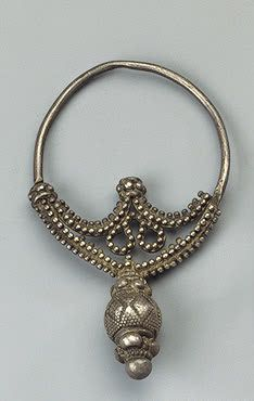 Crescent Earring with Beads  Silver; stamped, soldered and filigreed. H. 7.2 cm  Culture of Ancient Rus. 10th -11th century	 Volyn Province, Dubensky District, the Village of Borshchevka  Russia