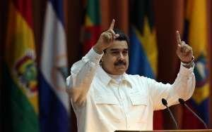 """Maduro aseguró tener constancia de que el presidente estadounidense Donald Trump ya ha """"decidido quién es el candidato de la oposición (venezolana) para las elecciones (presidenciales) de 2018"""". """"El candidato que Trump ha decidido que debe ser el próximo presidente de Venezuela trae un paquete económico peor que el de Macri, peor que el de Honduras, peor que el de Brasil"""", agregó # 20-12-2017"""