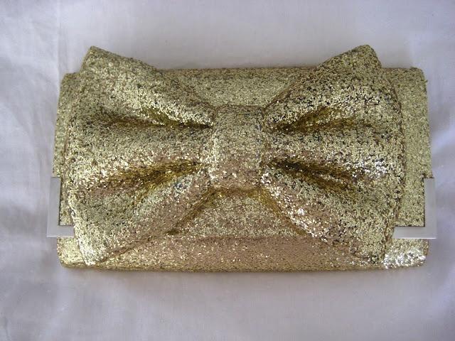 diy sparkle clutch: Glittery Gold, Bow Clutch, Diy Crafts, Diy'S, Clutches, Bows, Diy Glitter