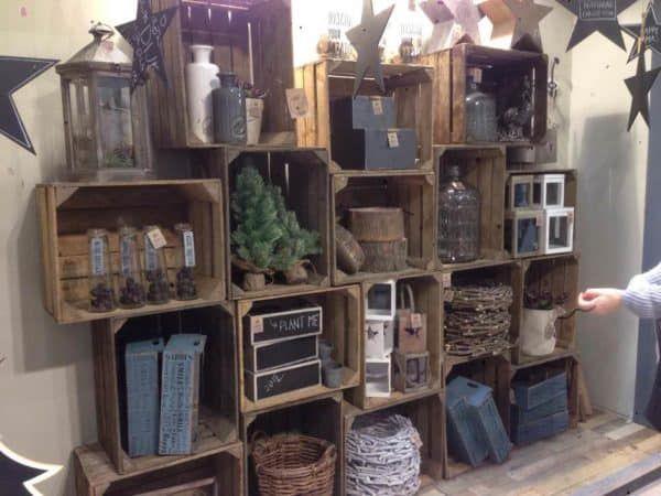 25+ Möglichkeiten zur Wiederverwendung alter Holzkisten in Ihrer Innenarchitektur Do-It-Yourself-Idee …  – Cat cafe