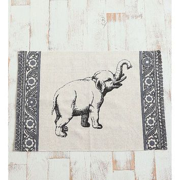 Elephant Rug - Urban Outfitters - URBAN OUTFITTERS - InStores