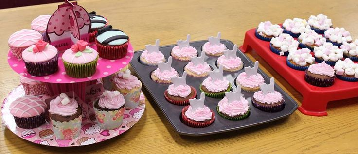 Pretty in Pink! Gorgeous cupcakes by RSPCA supporter Eriko http://www.rspcacupcakeday.com.au/