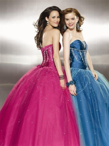 These dresses make me want to go to to prom again!