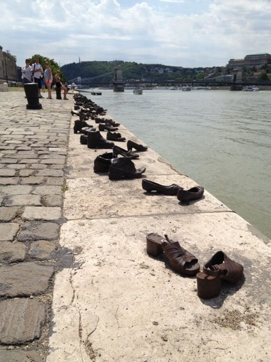Cipők a Duna parton, Shoes on the Danube Promenade